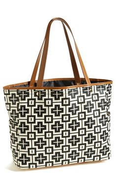 The all day tote! Love the graphic print on this Halogen bag.