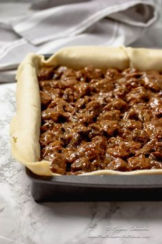 Cape Malay Pepper Steak Pie (Vleis Pastei) - Tantalise My Taste Buds Easy Pie Recipes, Best Dessert Recipes, Fun Desserts, Cooking Recipes, Steak And Mushroom Pie, Steak And Mushrooms, Steak Pie Recipe, Steak And Guinness Pie, Beef Oxtail
