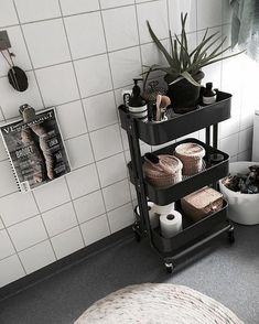 Home Interior Kitchen 66 Quick and Easy Bathroom Storage and Organization Tips.Home Interior Kitchen 66 Quick and Easy Bathroom Storage and Organization Tips Diy Bathroom Decor, Simple Bathroom, Decor Room, Bathroom Interior, Interior Design Living Room, Home Decor, Bathroom Cart, Bathroom Ideas, Diy Interior