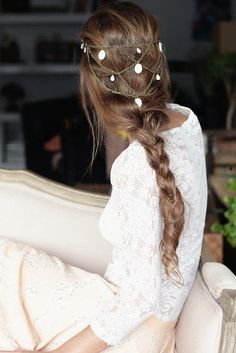 Boho hair chain - beautiful headpiece for the bohemian bride Boho Hairstyles, Pretty Hairstyles, Wedding Hairstyles, Hair Chains, Hair Accessories For Women, Mi Long, Hair Dos, Bridal Hair, Hair Inspiration