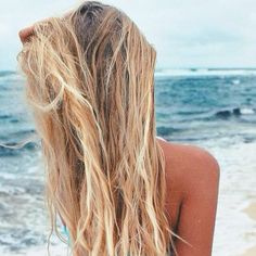 It's late summer urf lesson is free How are you, couple? It's late summer and we're offering free surfing lessons. Hair Inspo, Hair Inspiration, Surfer Girl Hair, Beachy Hair, Beach Blonde Hair, Beach Hair Color, Beach Please, Summer Hairstyles, Surf Style