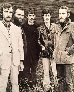 Outtake from the cover session for The Band's self-titled album in (Photographer: Elliott Landy) Music Pics, Music Photo, Music Pictures, Rock Music, New Music, Gals Photos, The Last Waltz, Robbie Robertson, Band Photography