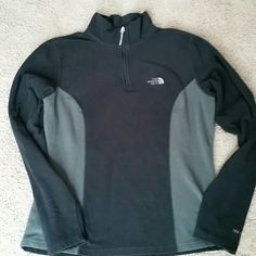 Women's NORTH FACE fleece fitted pullover Gently worn North Face black and gray fleece pullover,  no pilling, no stains,  no tears! North Face Tops