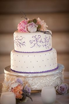 White and Purple Wedding Cake - PHOTO SOURCE • KAYSHA WEINER PHOTOGRAPHER | Featured on WedLoft