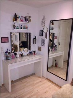 Diy makeup vanity black beauty room 31 Ideas Source by ideas makeup Cute Room Decor, Small Room Decor, Vanity Design, Glam Room, Makeup Rooms, Awesome Bedrooms, Dream Rooms, New Room, House Rooms