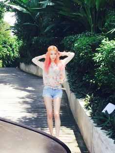 SNSD TaeYeon's beautiful BTS pictures from Koh Samui