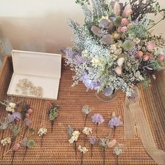 野花で摘みたてのブーケみたいです^^ * * ヘッドピースもお揃いでとても素敵でした。 * * hairmake/haruka uno luce shimokitazawa ℡03 5453 8855 #wedding#bridal#weddingdress#結婚式ヘア #ブライダル#花冠#結婚式#ウェディング#ウェディングドレス#カラードレス#ガーデンウェディング