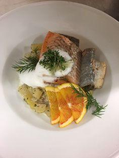 Diesen köstlichen Fisch mit Kartoffelsalat gibt´s in der Backhendlstation Gasthof Schneider. #backhendlstation #gasthofschneider #fisch #regional Schneider, Regional, Camembert Cheese, Dairy, Food, Potato Salad, Food And Drinks, Food Food, Meal