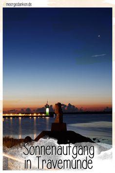 Ein Sonnenaufgang über der Ostsee ist immer etwas ganz besonderes. Vor einer traumhaften Kulisse wie der Mole in Travemünde lohnt für den Anblick auch das frühe Aufstehen. Celestial, Sunset, Movies, Movie Posters, Outdoor, Pictures, Getting Up Early, Sunrise, Baltic Sea