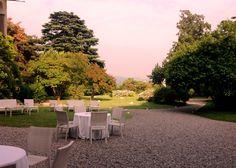 Preparativi matrimonio all'aperto a Palazzo Monti della Corte