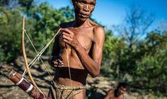 San men preparing for hunting in the Living Museum of the Ju?Hoansi-San, Grashoek, NamibiaG1C8X4 San men preparing for hunting in the Living Museum of the Ju?Hoansi-San, Grashoek, Namibia