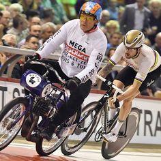 Bradley Wiggins Six Days Gent 2016 Bradley Wiggins, Track Cycling, Bicycle, Legends, Action, Biking, Bike, Group Action, Bicycle Kick