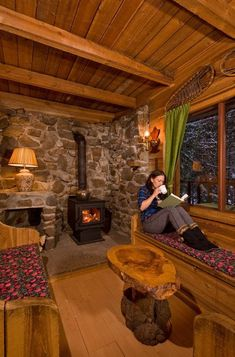 Ravishing Living Room With Fireplace That will Warm You All Winter Living Room With Fireplace – As soon as a requirement for survival, a. Tiny House Cabin, Log Cabin Homes, Tiny House Design, Log Cabins, Tiny Cabins, Cozy Fireplace, Living Room With Fireplace, Fireplace Ideas, Living Rooms