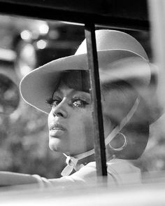 This is how you do bitchface! | 26 Photos Proving Diana Ross Invented The Concept Of Fierce
