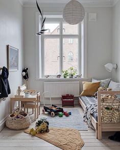 Simple and modern kids room decor inspiration Boys Bedroom Decor, Girls Bedroom, Childrens Bedroom, Light Bedroom, Bedroom Rustic, Bedroom Modern, Girl Room, Rooms Decoration, Minimalist Kids
