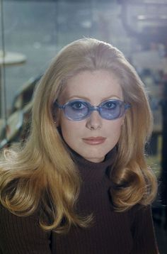 Catherine Deneuve photographed by Francois Gragnon during the filming of the movie Manon 70 in 1967 _ Catherine Deneuve, French Beauty, Timeless Beauty, Catherine Belle, Old Hollywood, Hollywood Stars, Film Aesthetic, Schneider, Vintage Beauty