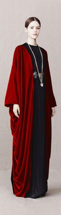 Alexander McQueen Pre-Fall 2013 - Très Haute Diva jαɢlαdy / nouveauciel / cape / robe / prenskanocturne