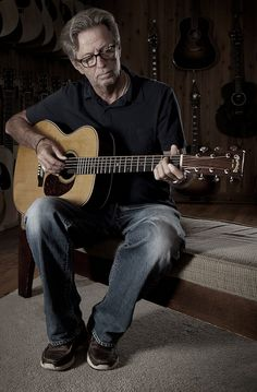 Eric Clapton & friends (Tom Petty, Willie Nelson, John Mayer, and more) celebrate the music of JJ Cale on their new album. Birmingham, Dance Musik, Eric Clapton Guitar, Tears In Heaven, The Yardbirds, Blind Faith, Best Guitarist, Interview, Rock Music