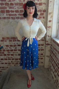 Buy 1940s and 1950s Vintage Inspired Tea Dresses, Blouses, Skirts Polka Dot and Floral Prints from The Seamstress of Bloomsbury Sale Range Discount code Perfect for lovers of Classic Vintage, Pin Up Style, Rockabilly, Collectif Clothing, Lindy Bop