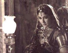 Bollywood's Tragedy Queen- Meena Kumari