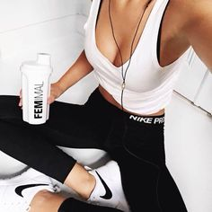 10 Convincing Reasons You Should Probably Start Running - - White tank, black nike performance leggings. Cute women's fashion chic casual street style outfit - Fit Girl Motivation, Fitness Motivation, Fitness Quotes, Motivation Quotes, Fitness Inspiration, Workout Inspiration, Style Inspiration, Outfit Gym, Nike Noir