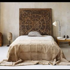 Love this wooden filigree headboard, would love one for my home.