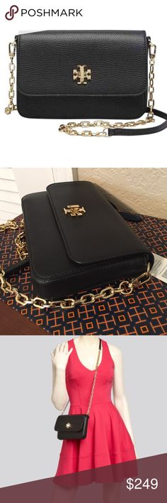 """🆕Tory Burch """"Mercer"""" Leather crossbody. NWT This beautiful BLACK pebbled Leather cross body bag is perfect to wear as it's classy, Lightweight, and pretty. The outside flap has the Tory Burch Double-T logo turn lock closure in all gold hardware. The chain shoulder strap has matching leather at the shoulder area for added comfort. Inside has jacquard logo lining and 3 card slots. Approximate measurements: 8"""" L x 5.5"""" H x 1.5"""" D with a 23"""" drop. New, never worn, with tag. Tory Burch Bags…"""