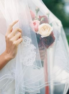 Ethereal Bride / Flowers by Fleuriste / Wedding Style Inspiration / LANE (instagram: the_lane)