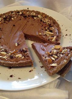 Tarte Mousse de chocolate (saudável; sem açúcar, sem glúten; sem nenhum tipo de gordura) Incrivelmente deliciosa, tanto quanto é a fac...