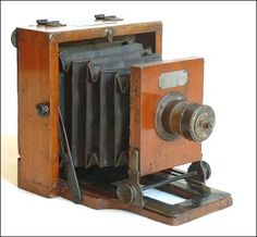 Old antique camera: Le Merveilleux Camera c1888 J. Lancaster  Son $625