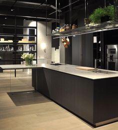 """""""Det er med stolthet at vi i morgen åpner dørene til det nye Boffi Studio på Skøyen i Oslo"""". Drammensveien 130 B3 @boffi_norway #interiør #kjøkken #haugmaberg #boffistudionorway #boffi_norway #annonse"""