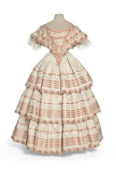 1855 ball gown | lovely evening ball gown ~ 1855-58