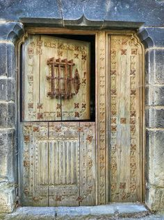 Speakeasy Dutch Door from Ansó, Aragón. Cool Doors, The Doors, Unique Doors, Windows And Doors, Door Entryway, Entrance Doors, Doorway, Knobs And Knockers, Door Knobs
