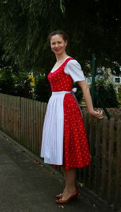 sewing galaxy: Mein Dirndl Sewing Ideas, Clothes, Vintage, Style, Fashion, Outfits, Swag, Moda, Clothing