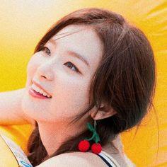 Read packs - kpop from the story ✿Packs Asian & Kpop✿ by hwallcokr (universe. Kang Seulgi, Red Velvet Seulgi, Girl Cakes, Little Monsters, Korean Girl Groups, Kpop Girls, Cool Girl, Asian Girl, Cute