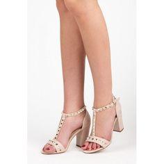 Dámské sandály Ideal Miara béžové – béžová Dámské sandály jsou v létě jasnou volbou. Udržíte si ženskou svůdnost, ale vaše nohy budou moci dýchat. Řemínek skvěle zachytí nohu. Podpatek je hrubšího typu, takže bude vaše … Ladies Sandals, Peeps, Peep Toe, Shoes, Fashion, Moda, Zapatos, Shoes Outlet, Fashion Styles