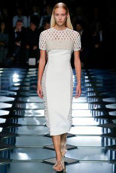 Balenciaga Spring 2015 Ready-to-Wear Fashion Show - Eva Berzina (Women)