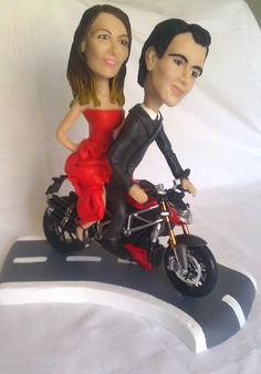 Sorprendere gli invitati al taglio della torta? Mymicrome sponsorizzerà il nostro cake topper!    #finchesponsornonvisepari #saraheluciano #mymicrome #caketopper #torta #nozzeconsponsor #matrimonio #weddingcake     (http://www.finchesponsornonvisepari.blogspot.it/2015/01/sorprendere-gli-invitati-al-taglio.html)