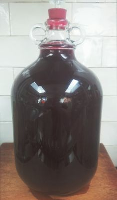 BLACKBERRY WINE 1 All Spice Berries, Pickled Walnuts, Blackberry Wine, Orange Wine, What To Make, Beer Brewing, Spice Mixes, Wine Making, Simple Syrup