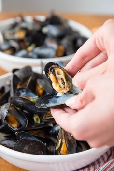 How to Eat a Mussel Tips from @boulderlocavore
