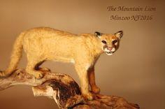 Needle felted animal felted puma mountain por MinzooNeedleFelting