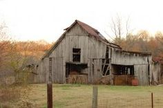 Old Country Barns | Old Country Barns | stock.xchng - Old Country Barn 1 (stock photo by ...