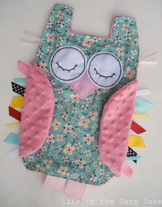 Owl Baby Blanket. Totally can make one of these to coordinate with the owl pillow!