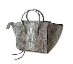 76477c5d0e2 8 Best Fashion Bags and Purses images   Fashion bags, Fashion ...