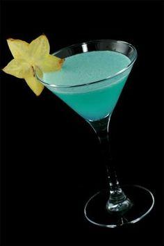 Blue Hawaiian - 40 ml white rum 20 ml pinneaple juice 10 ml blue curacao liqueur 1 tsp coconut cream Shake vigorously. Serve in cocktail glass. Garnish with piece of pineapple.