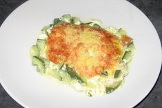 Gratin de courgettes à la cancoillotte Quiche, Spaghetti, Cheese, Breakfast, Food, Emmental, Table, Milk Glass, Zucchini Gratin