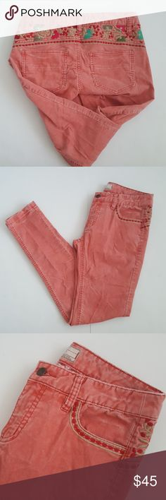 """Free People Floral Embroidered Skinny Corduroy Gorgeous skinny corduroy pants with colorful embroidery details. Color is a rosie blush. Waist 14 1/2"""" Rise 8"""" Inseam 28"""" 98% cotton 2% spandex In great pre-loved condition Free People Jeans Skinny"""