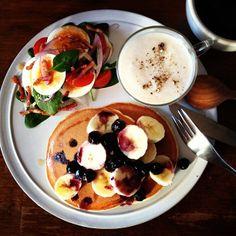 .@keiyamazaki | Today's breakfast. Japanese white radish soup. 大根のポタージュ | Webstagram Crepe Cake, Blueberry Pancakes, Big Meals, Cafe Food, I Want To Eat, Cake Recipes, Delish, Breakfast Recipes, Food And Drink