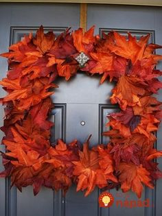 Door decoration - square wreath covered in fall color leaves Autumn Wreaths, Holiday Wreaths, Wreath Fall, Square Wreath, Thrifty Decor Chick, Diy Wreath, Wreath Ideas, Fall Harvest, How To Make Wreaths