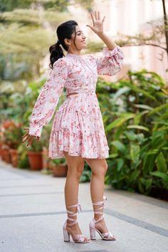 Beautiful Blonde Girl, Beautiful Girl Photo, Beautiful Asian Girls, Beautiful Legs, South Indian Actress Hot, Indian Actress Hot Pics, Most Beautiful Bollywood Actress, Beautiful Actresses, Girl Photos